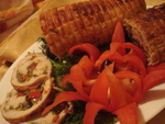 рулет из филе индюшки с ароматной начинкой